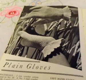 Plain gloves - 1940s