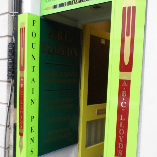 ABC Lloyd - Pen Shop Entrance